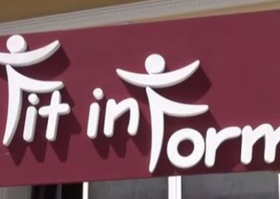 Fertiges 3D Logo mit Hintergrundplatte