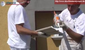 Auf Aussenstuck Styroporleiste Styroporkleber auftragen