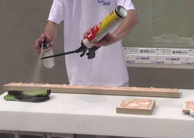Spritzduse-mit-Soudal-Schaumpistolen-Reiniger-saubern