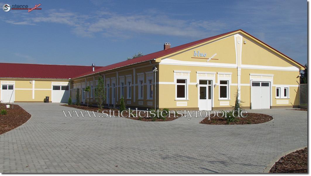 Fassadengestaltung mit Styropor Fassadenelementen
