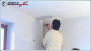 Maße der Stuckleisten auch auf die Wand übertragen