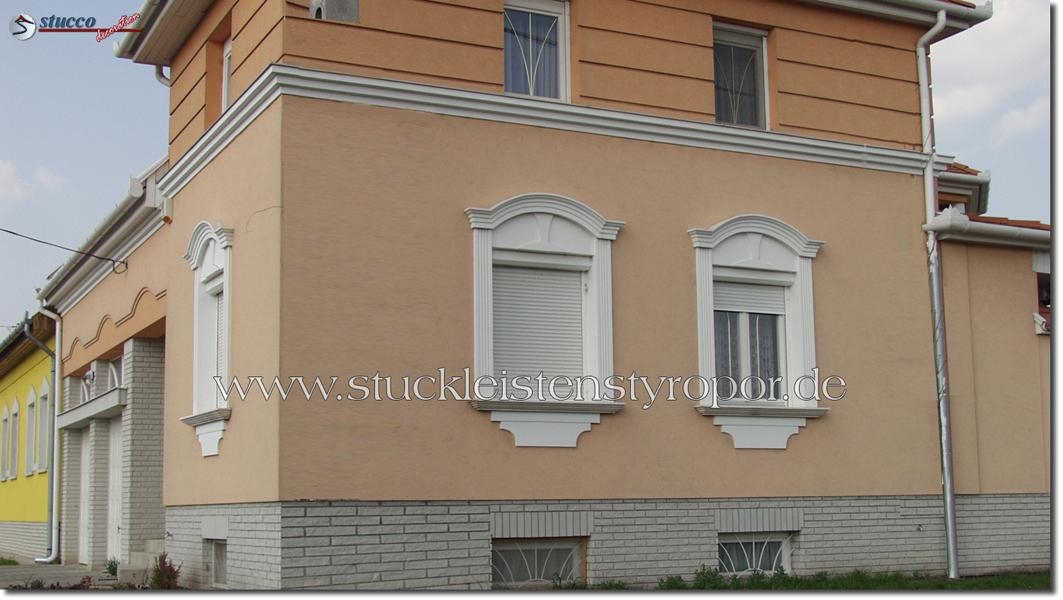 Flexible Stuckleisten und Fassadenprofile