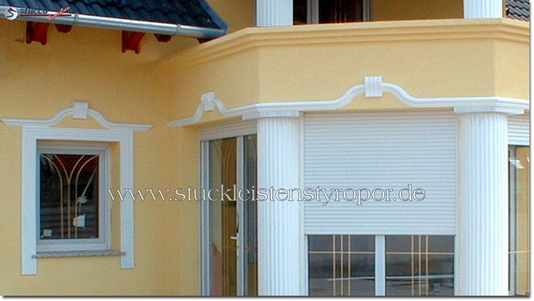 Fensterumrandung mit verschiedenen Fassadenprofilen