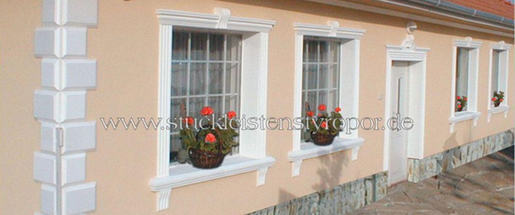 Tür-und-Fensterumrandung-mit-beschichteten-Fassadenprofilen-aus-Styropor