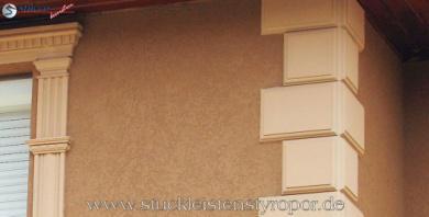 Fassadendekor Mit Quadersteinen Styropor Natursteinoptik Hilft Bei Der Dammung Fassade