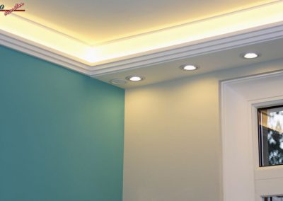 lichtleiste-mit-direkt-und-indirekt-beleuchtung
