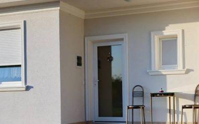 3+1 Vorteile von stoßfesten Laibungsprofilen und Zierprofilen aus Styropor bei der Fensterumrandung