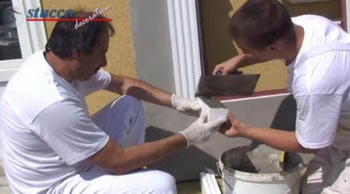 unbeschichtetes-Fensterbankprofil-Schließelement-Flexkleber-auftragen